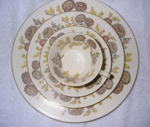 Wedgwood Bone China-Lichfield Pattern (Image1)