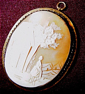 Antique Carved Cameo (Image1)