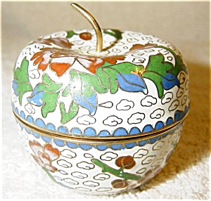Cloisonne Box in Shape of an Apple (Image1)