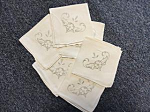 Linen Embroidered Napikins (Image1)
