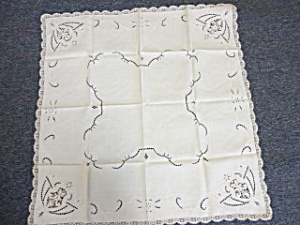 Linen luncheon Tablecloth (Image1)