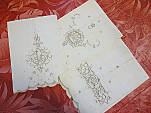 Linen Embroidered Hand Towels (Image1)