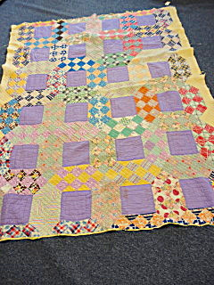 Antique Handmade Quilt (Image1)
