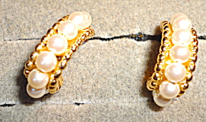 Pearl Half Hoop Earrings (Image1)