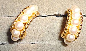 Pearl Half Hoop Earrings (Image1)
