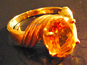 Solitaire Topaz Ring in 14K gold (Image1)