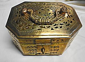 Large Brass Cricket Box (Image1)