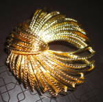 Click to view larger image of Monet Pin in Goldtone (Image2)