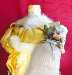 Click to view larger image of Gold and White Santa (Image3)
