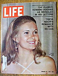Life Magazine - January 22, 1971  - Tricia Nixon (Image1)