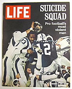 Life Magazine December 3, 1971 Suicide Squad (Image1)