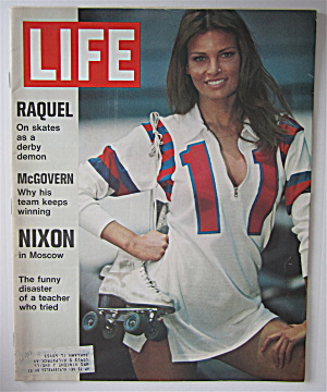 Life Magazine June 2, 1972 Raquel Welch On Skates (Image1)