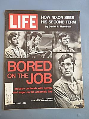 Life Magazine September 1, 1972 Bored On The Job (Image1)