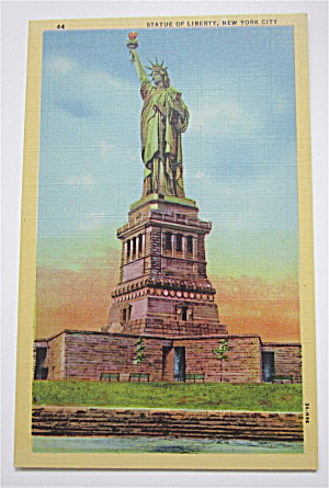 Statue Of Liberty, New York City Postcard (Image1)