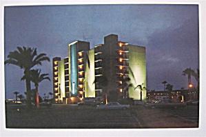Hilton Inn, Mission Bay, San Diego, California Postcard (Image1)