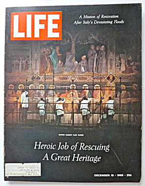Life Magazine December 16, 1966 Heroic Job Of Rescuing  (Image1)