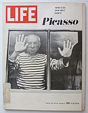 Life Magazine December 27, 1968 Picasso  (Image1)