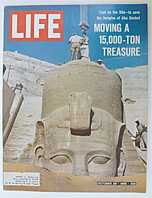 Life Magazine-september 24, 1965-below Spaceship