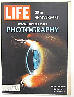 Life Magazine December 23, 1966 Photography (Image1)