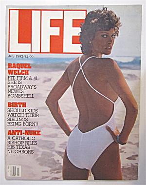 Life  Magazine July 1982 Raquel Welch  (Image1)