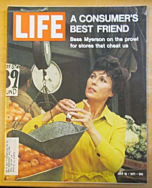 Life Magazine July 16, 1971 Consumer's Best Friend
