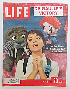 Life Magazine May 5, 1961 Anna Maria Alberghetti (Image1)