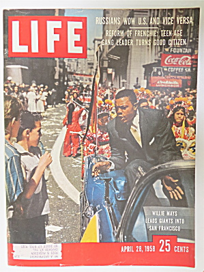 Life Magazine April 28, 1958 Willie Mays Leads Giants