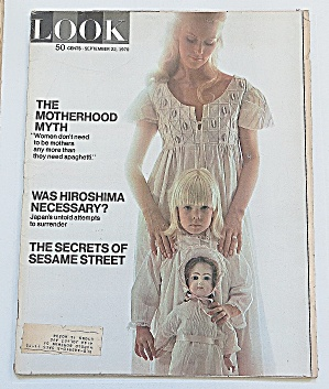 Look Magazine September 22, 1970 Motherhood
