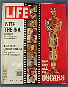 Life  Magazine - April 7, 1972 - The Oscars (Image1)