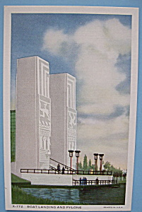 1933 Century Of Progress Boat Landing & Pylons Postcard (Image1)
