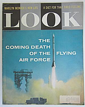 Look Magazine October 1, 1957 Marilyn Monroe's Life (Image1)