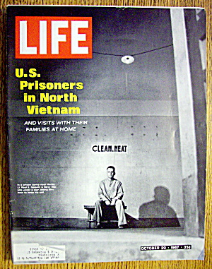 Life Magazine October 20, 1967 Prisoners In Vietnam