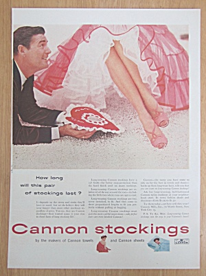 1954 Cannon Stockings With Man Giving Woman Valentine (Image1)