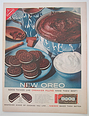 1960 Oreo Creme Sandwich with Cookies On Plate (Image1)