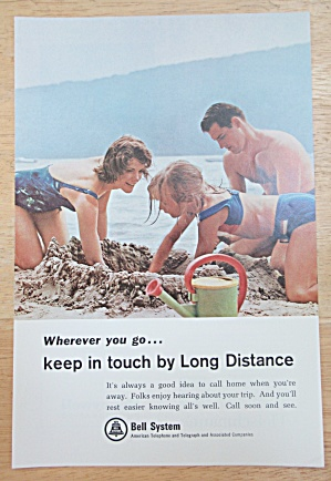1965 Bell Telephone System W/family Playing In The Sand