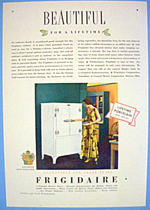 1931 Frigidaire With Woman Opening