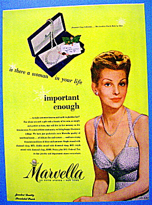 1945 Marvella Necklace with Lovely Woman & Necklace (Image1)