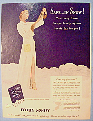 1949 Ivory Snow With Woman Looking At Nylons