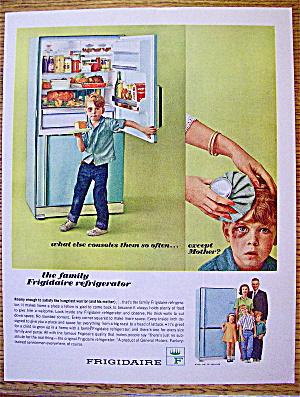 1964 Frigidaire Refrigerator w/Little Boy Getting Cake (Image1)