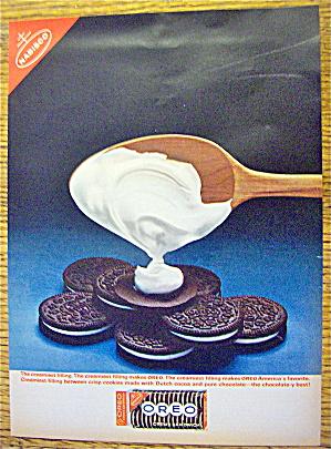 1963 Nabisco Oreo Creme Sandwich w/Spoon & Creme (Image1)
