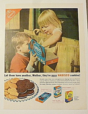 1953 Nabisco Oreo Cookies With Boy Giving Girl Cookie