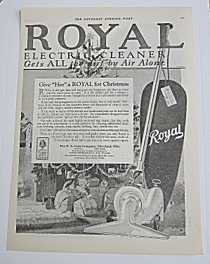1924 Royal Electric Cleaner With Christmas Tree