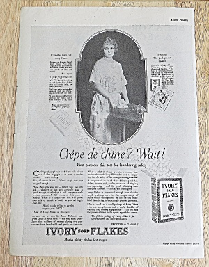 1923 Ivory Soap Flakes With Lovely Woman