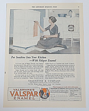 1922 Valspar Enamel With Woman Painting (Image1)