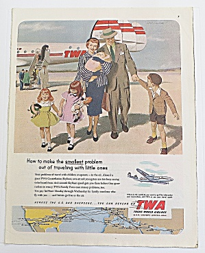 1952 Twa Airlines With Family Walking