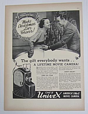 1937 Cine 8 Univex Movie Camera with Man & Woman (Image1)