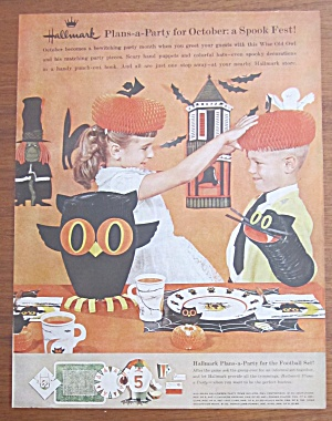 1961 Hallmark Plans A Party with Halloween Decor (Image1)