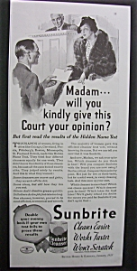 1935 Sunbrite Cleanser with Woman who is in Court (Image1)