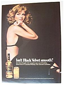 1975  Black  Velvet  Whiskey  with  Cheryl  Tiegs (Image1)