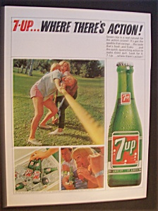 1965 Seven Up (7 Up) Soda W/three Women Pulling Rope